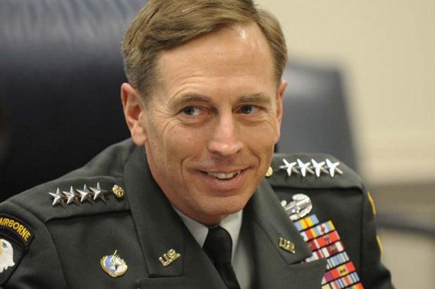 พล.อ. เดวิด เพเทรอัส อดีตผู้อำนวยการสำนักงานข่าวกรองกลางสหรัฐฯ (ซีไอเอ)